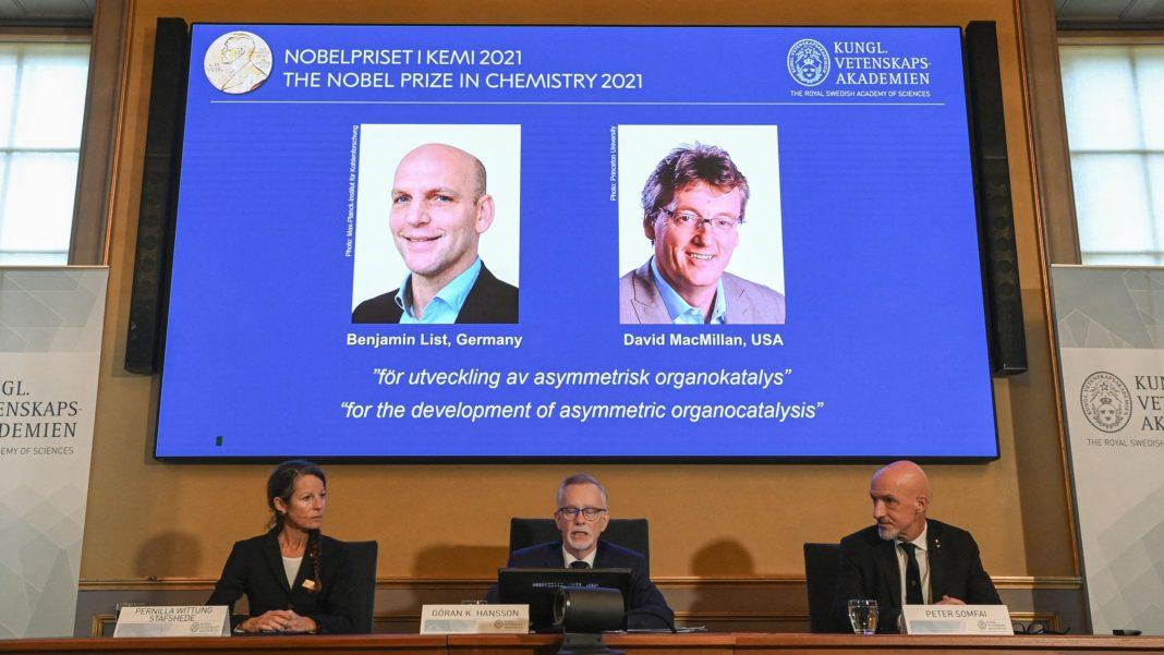 2021-nobelpreis-fuer-chemie-an-deutsche-und-britische-wissenschaftler-verliehen,-die-ein-werkzeug-zum-molekuelaufbau-entwickelt-haben